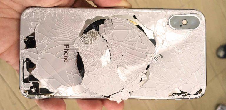 Zamena zadnjeg stakla iPhone X telefona